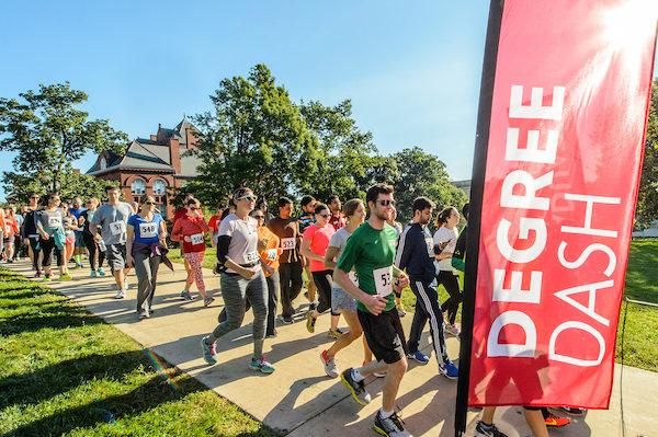 Degree Dash runners